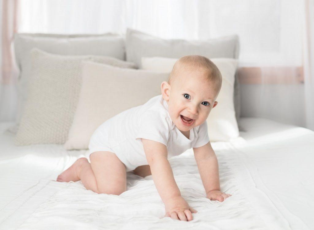 Pedokinetika - pomen izkušenj, ki jih nabirata dojenček in starš skozi dnevno dinamiko