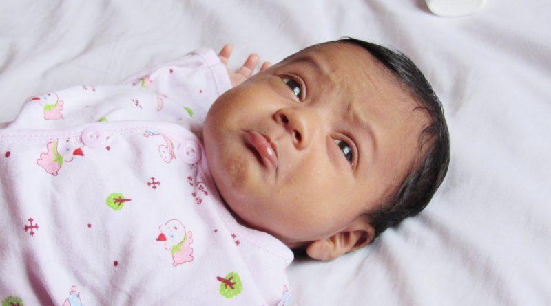 Če je otrok nahranjen, previt in vse bp, potem ne bo hudega, če malo joka