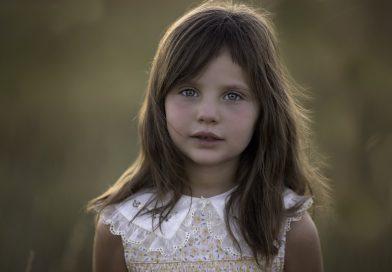 Kako pomagati otroku, da ne bo odvisen od mnenja drugih