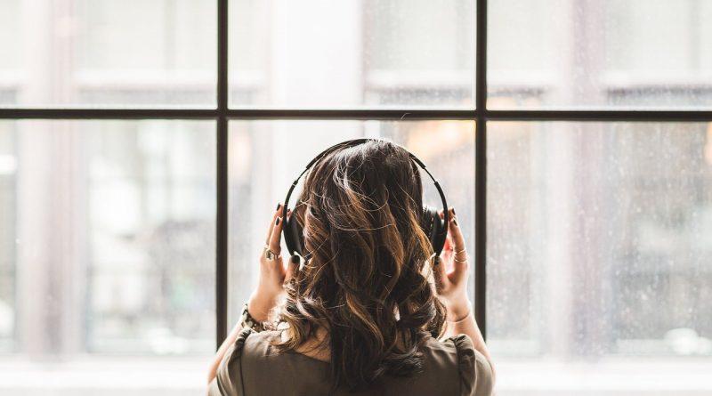 Orodja za pomiritev, ki jih lahko uporabljate doma - bilateralna glasba