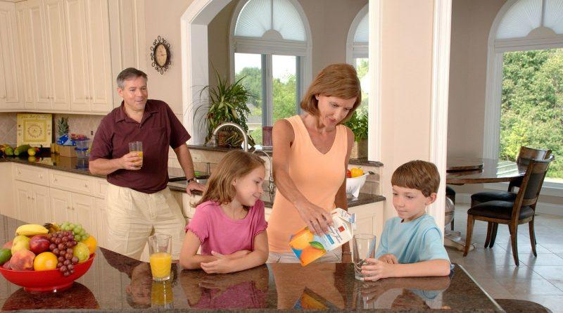 Otroci vas potrebujejo: zdaj je čas, da jim predate dragocene življenjske izkušnje