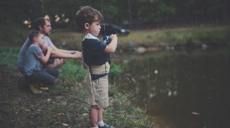 Upoštevanje socialne distance – velika priložnost za očete
