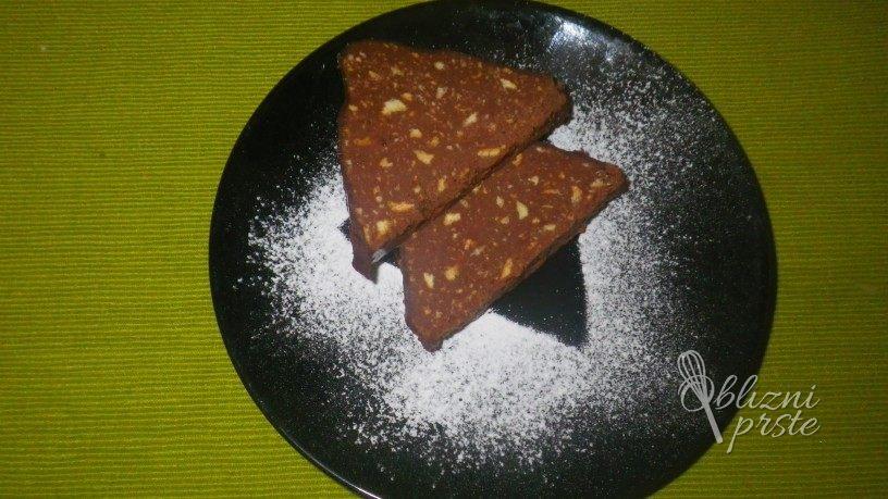 Slastni čokoladni trikotniki brez peke