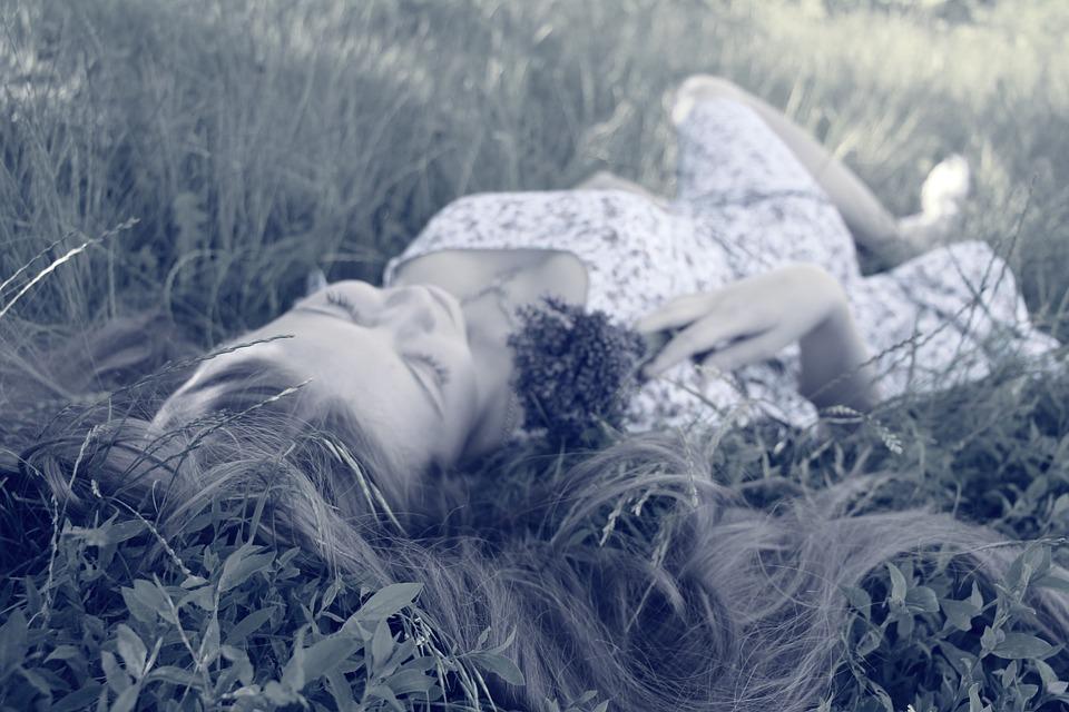 Kako sem ukrotila hormonsko divjanje v času menstruacije - moja osebna izkušnja