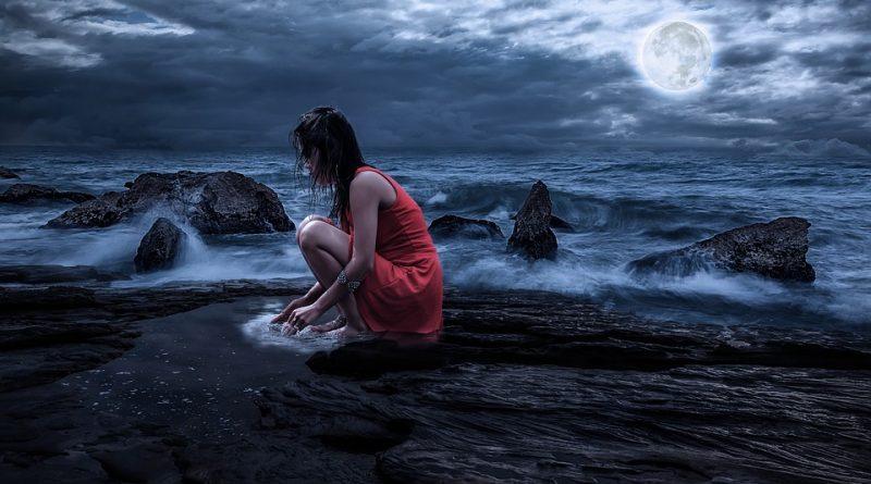 Menstruacija ob polni ali prazni luni ... ali vmes?